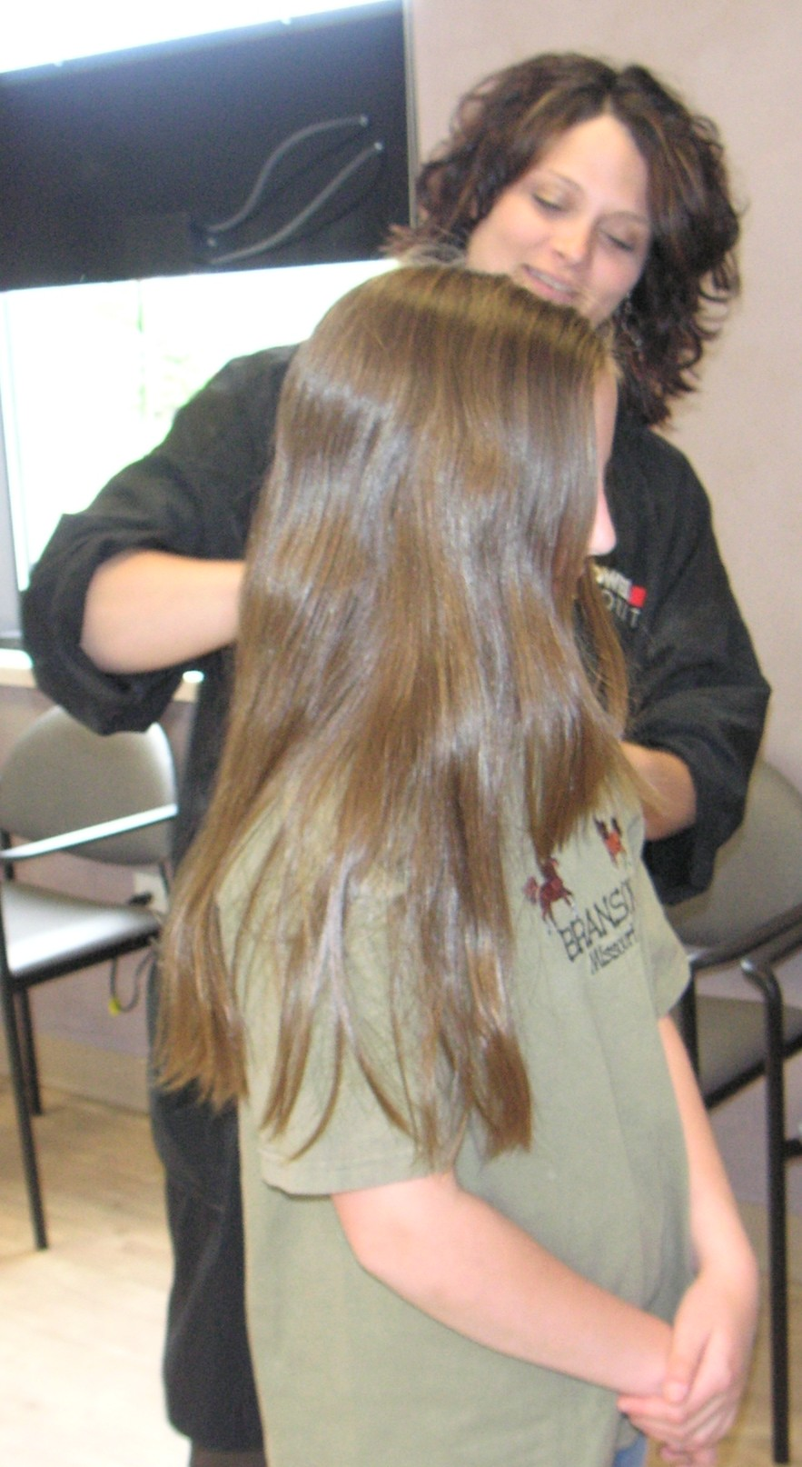 Free haircut with locks of love donation